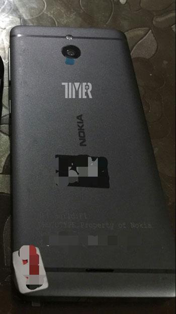نوكيا تخطط لطرح هاتف جديد بتصميم بسيط وسعر رخيص1
