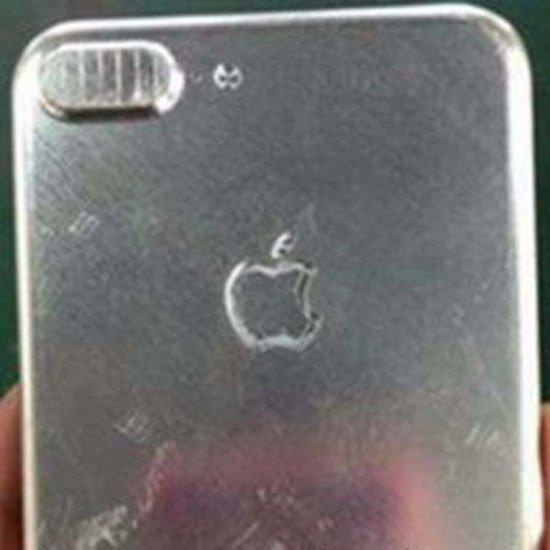 هاتف ايفون 7  (2)