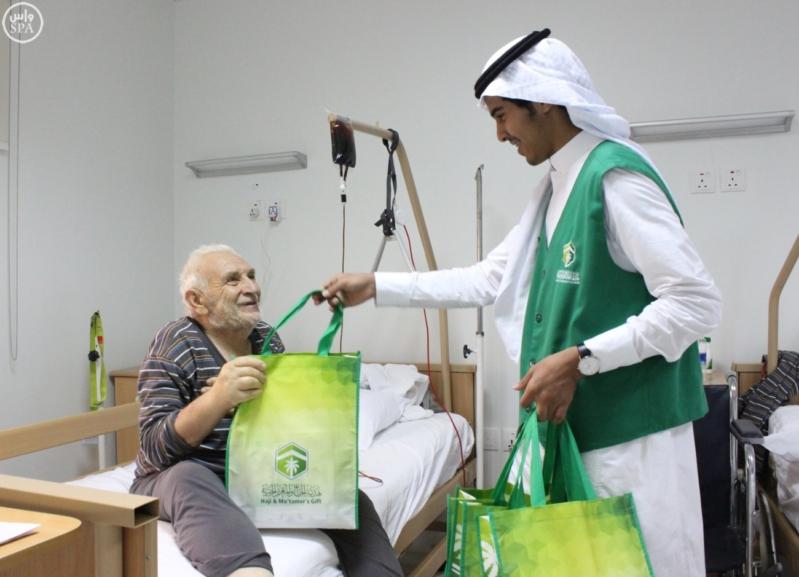 هدية الحاج تدفع بأكثر من 120 مواطنًا ومواطنة لخدمة ضيوف الرحمن