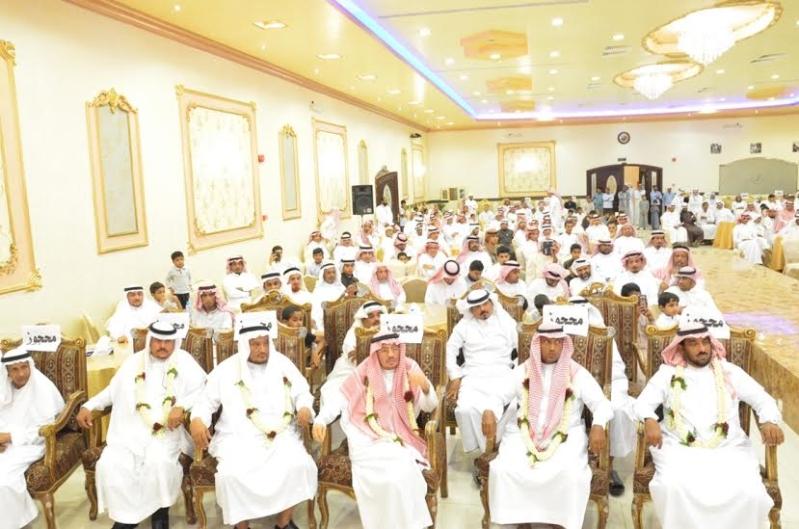 هدية الزوجة والأبناء لـ4 معلمين متقاعدين في أبو عريش