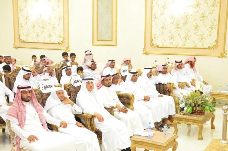 هدية الزوجة والأبناء لـ4 معلمين متقاعدين في أبو عريش1