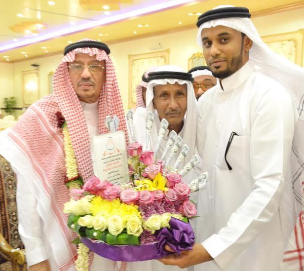 هدية الزوجة والأبناء لـ4 معلمين متقاعدين في أبو عريش4