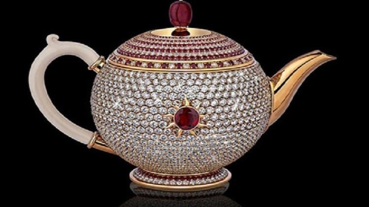 هذا أغلى أبريق شاي في العالم.. لن تصدق ثمنه!