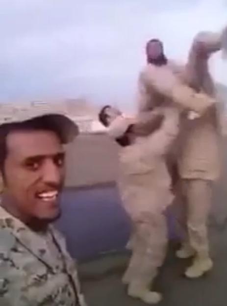 هذا ما فعله أبطال #الحد_الجنوبي بعد اعتراض صاروخ معادٍ