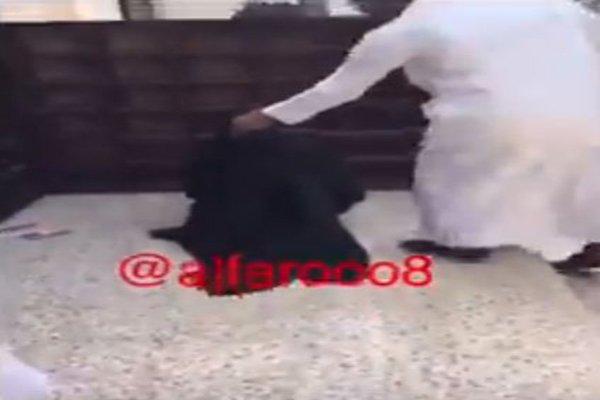 هروب متسول يرتدي عباءة نسائية بعد انكشاف أمره