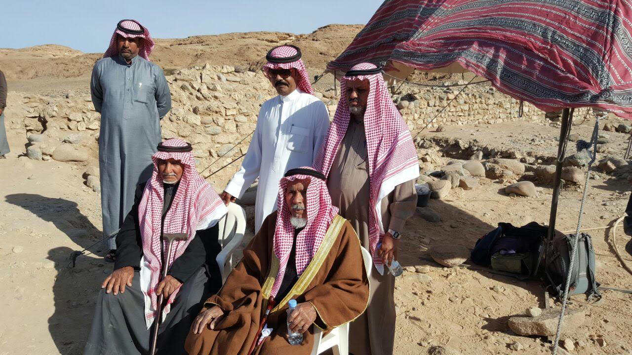 هيئة السياحة تنظم زيارة ميدانية لقيادات المجتمع المحلي بتبوك إلى موقع (عينونة) الأثري1
