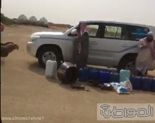 هيئة رفحاء تضبط مروج ومصنعي خمر غرب المحافظة