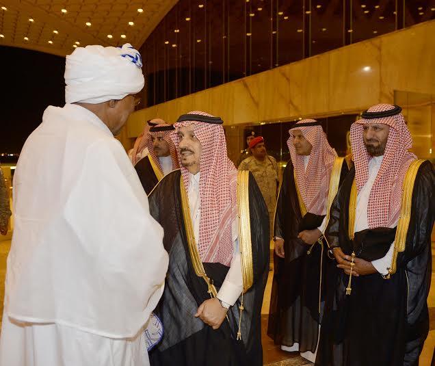 والي ولاية الخرطوم يصل الرياض