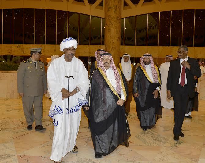 والي ولاية الخرطوم يصل الرياض1