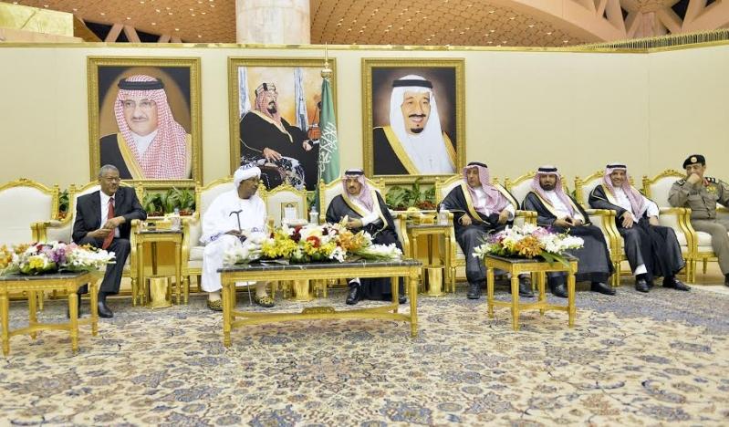 والي ولاية الخرطوم يصل الرياض3