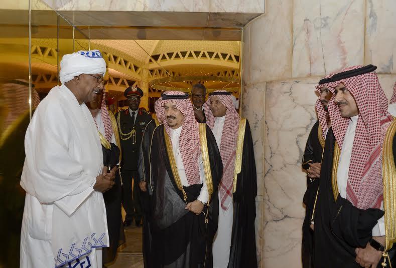 والي ولاية الخرطوم يصل الرياض6