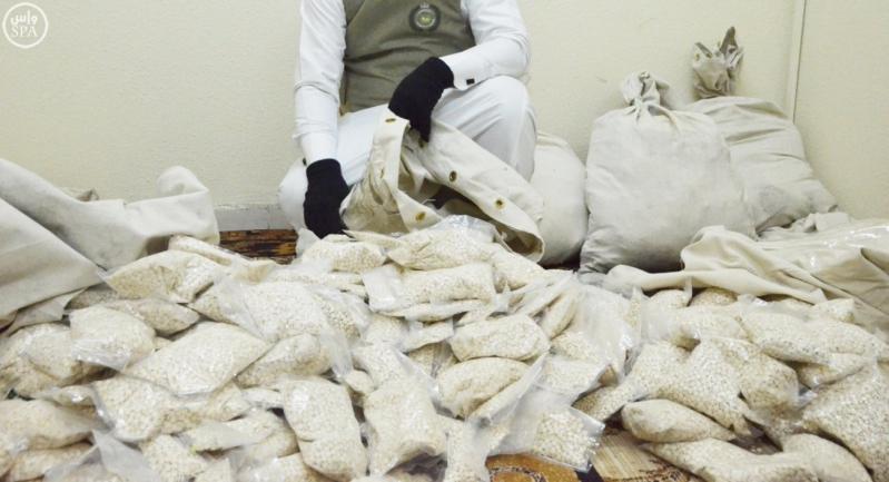 وزارة الداخلية تصدر بياناً حول مهام رجال الأمن في مكافحة جرائم تهريب وترويج المخدرات والقبض على المتورطين في ذلك 10