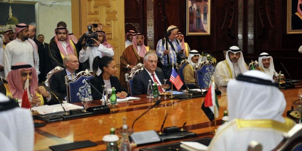 تيلرسون يغادر جدة وبيان مرتقب من الدول الداعية لمكافحة الإرهاب حول قطر