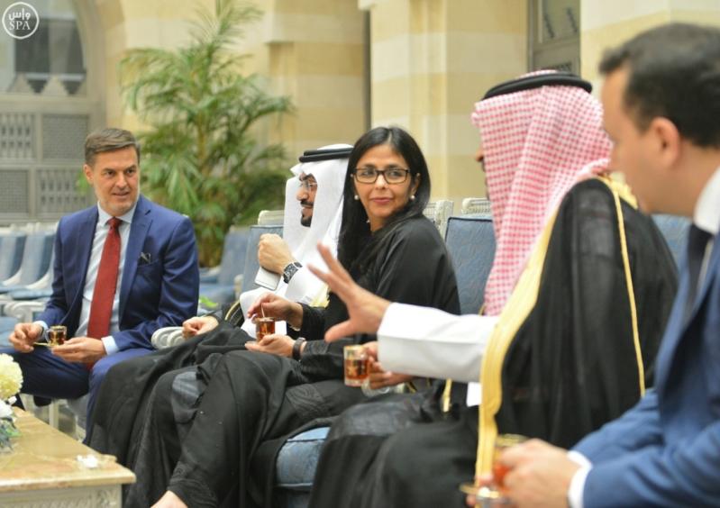 وزيرة خارجية فنزويلا في السعودية للتباحث حول أسعار النفط1