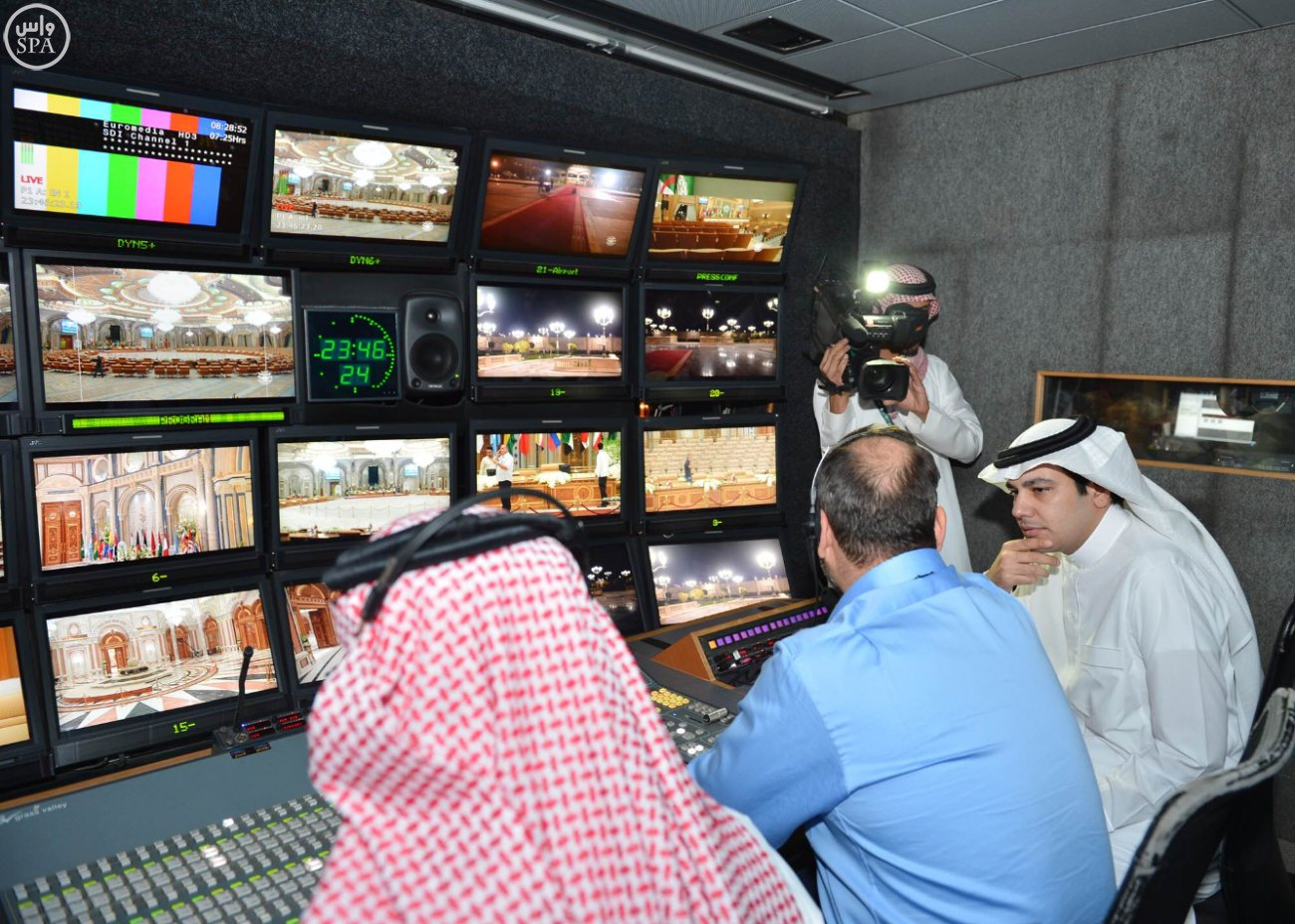 وزير الإعلام يقف على استعدادات-القمة العربية-الاتينية (3)