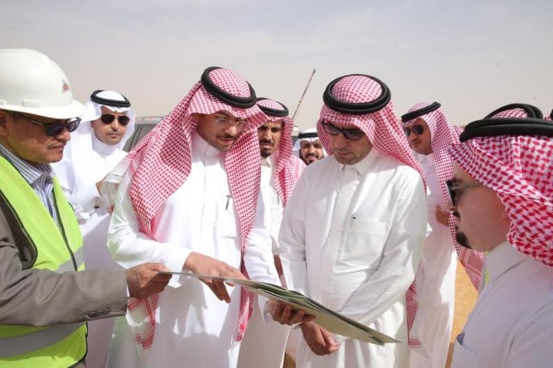 وزير الاسكان يتفقد مشاريع الجوف