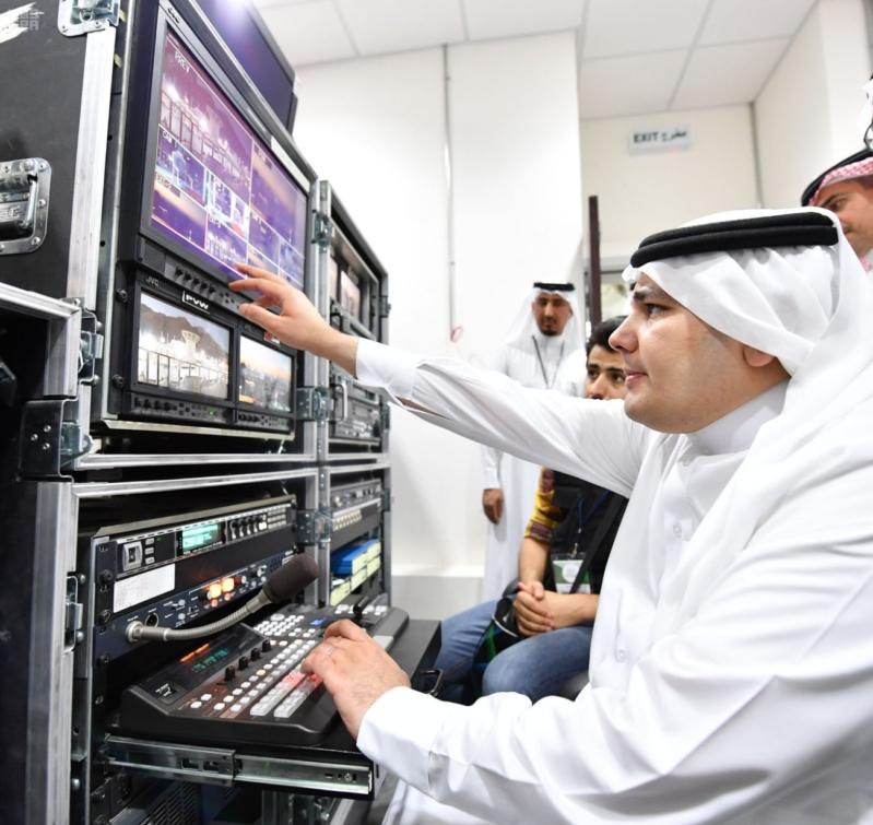 وزير الاعلام الطريفي يتفقد مقر الوزارة في منى 6
