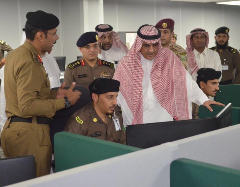 وزير البلديات يشيد بتقنيات مركز العمليات 911 (171238869) 