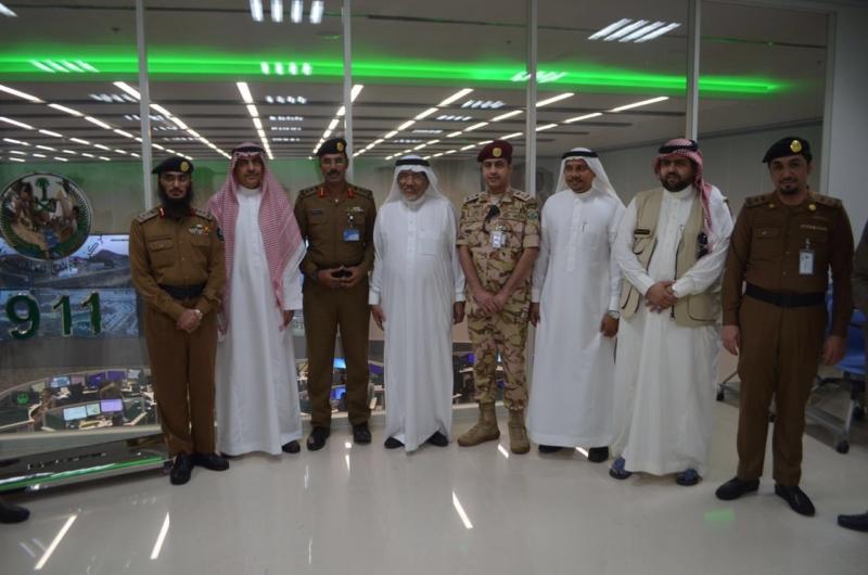 وزير البلديات يشيد بتقنيات مركز العمليات 911 (171238875) 