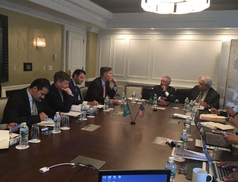 وزير التجارة والإستثمار يكشف عن لقاءاته مع شخصيات أمريكية عالية لبحث التعاون التجاري  (1) 