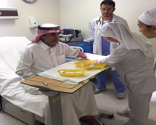 وزير-التعليم-يتبرع-بالدم