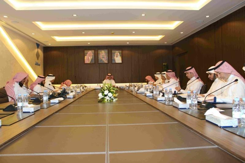 وزير التعليم يرأس اجتماع مجلس أمناء مؤسسة تكافل الخيرية (1)