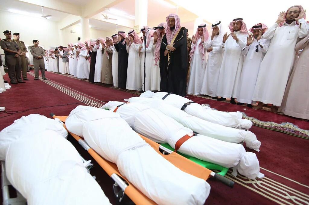 وزير التعليم يشارك بتشييع جثامين ضحيا تعليم الدائر (27)
