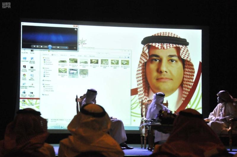 وزير الثقافة والإعلام يزور فرع جمعية الثقافة والفنون بالدمام 3