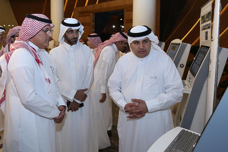 وزير الثقافة والاعلام يدشن الخدمات الالكترونية (276362008)  