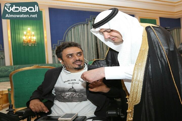 وزير الثقافة والاعلام يرعى حفل الادباء السعوديين (138791231)  
