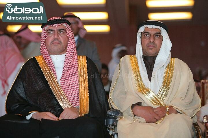 وزير الثقافة والاعلام يرعى حفل الادباء السعوديين (138791233)  