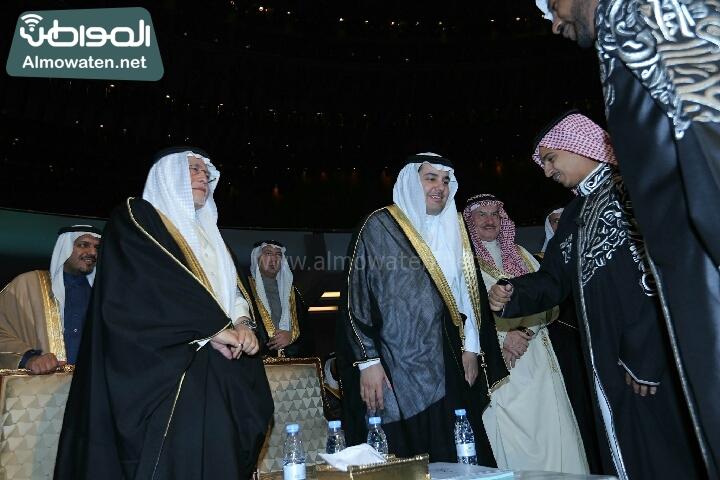 وزير الثقافة والاعلام يرعى حفل الادباء السعوديين (138791234)  