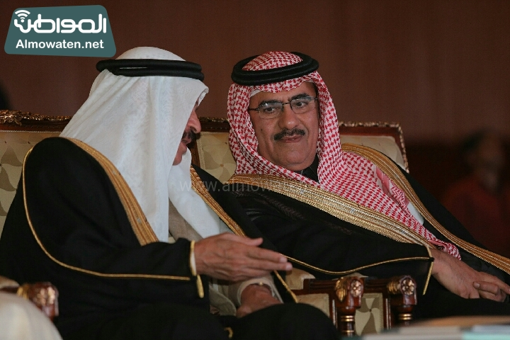 وزير الثقافة والاعلام يرعى حفل الادباء السعوديين (138791235)  
