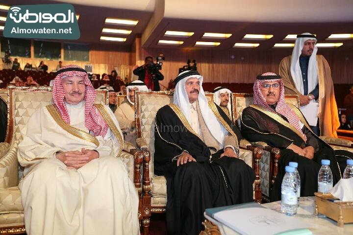 وزير الثقافة والاعلام يرعى حفل الادباء السعوديين (138791242)  