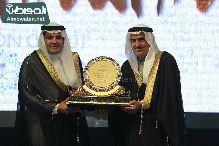 وزير الثقافة والاعلام يرعى حفل الادباء السعوديين (138791248)  