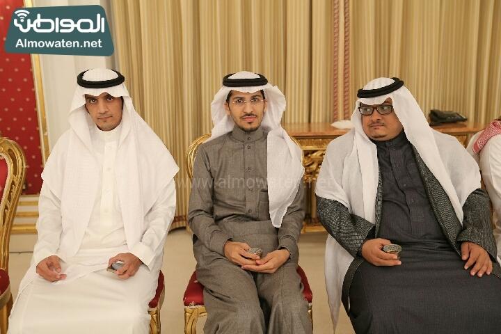 وزير الثقافة والاعلام يرعى حفل الادباء السعوديين (138791250)  