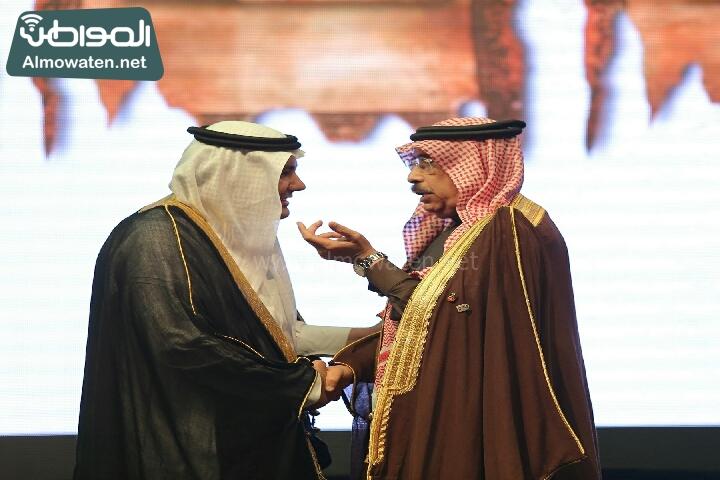 وزير الثقافة والاعلام يرعى حفل الادباء السعوديين (138791251)  