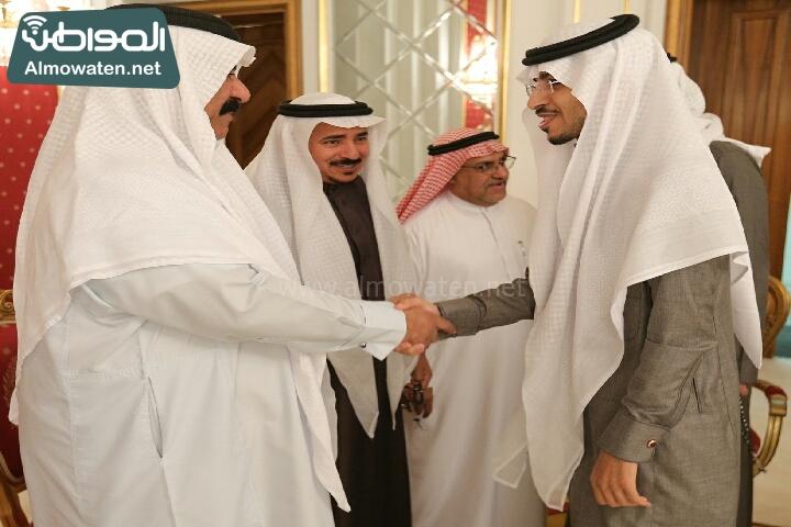 وزير الثقافة والاعلام يرعى حفل الادباء السعوديين (138791255)  