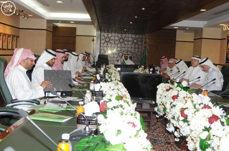 وزير الحج يشكل لجنة