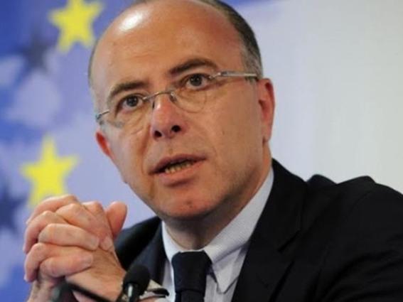 وزير الداخلية الفرنسي، برنار كازنوف