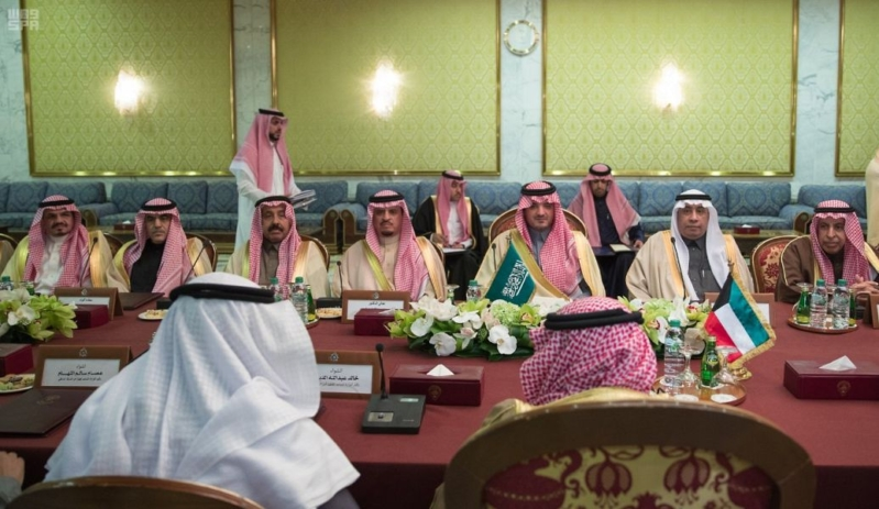 بالصور.. وزير الداخلية يبحث سبل تعزيز مسارات التنسيق والتعاون الأمني مع الكويت