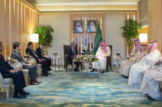 بالصور.. وزير الداخلية يلتقي بالوزير المسؤول عن شؤون المسلمين في سنغافورة - المواطن