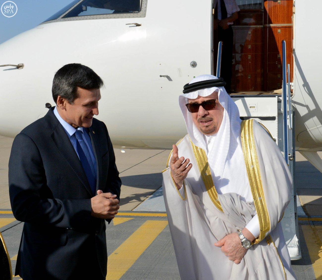 وزير الدولة للشؤون الخارجية نزار بن عبيد مدني يستقبل  وزير خارجية تركمانستان رشيد ميريدوف (1)