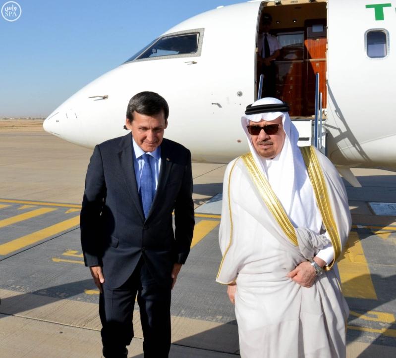 وزير الدولة للشؤون الخارجية نزار بن عبيد مدني يستقبل  وزير خارجية تركمانستان رشيد ميريدوف (2)