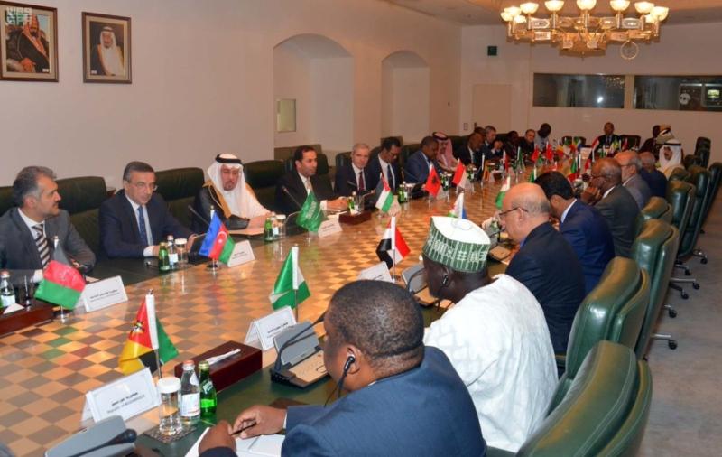 وزير الدولة للشؤون الخارجية يستقبل رؤساء البعثات الدبلوماسية للدول الإسلامية لدى المملكة1