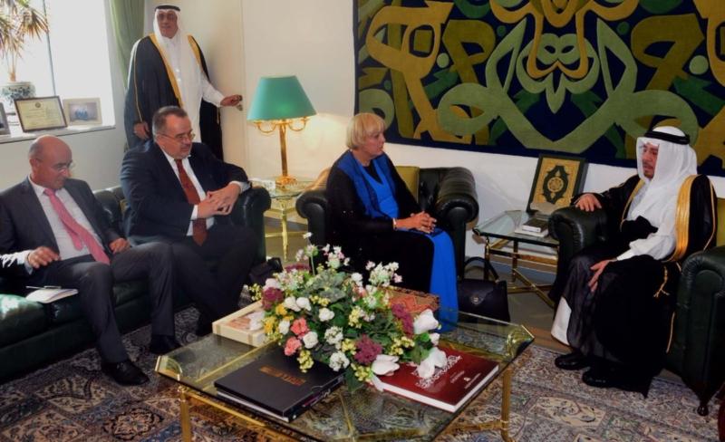 وزير الدولة للشؤون الخارجية يستقبل رؤساء البعثات الدبلوماسية للدول الإسلامية لدى المملكة3
