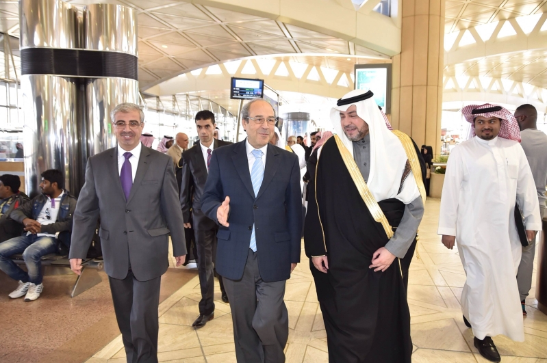وزير الشؤون الدينية بالجمهورية التونسية يصل الرياض (3)