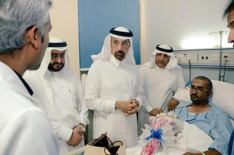 وزير الصحة يزور المصابين 2