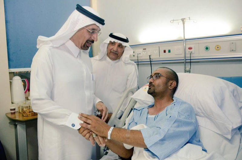 وزير الصحة يزور المصابين 3