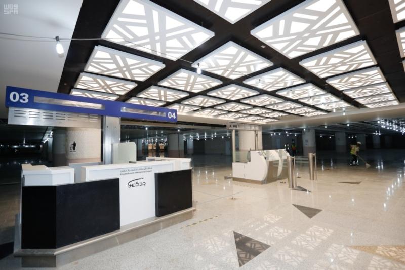 وزير النقل يتفقد مشروع مطار الملك عبدالعزيز الدولي الجديد 2